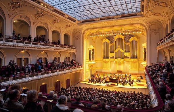 Symphoniker Hamburg, 10. Symphoniekonzert, Andris Poga,  Laeiszhalle Hamburg