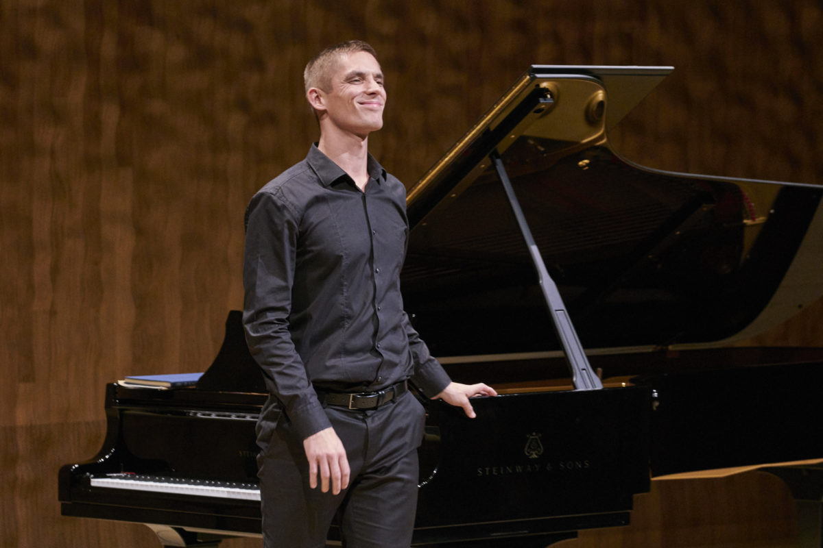 Cédric Tiberghien, Klavier,  Elbphilharmonie