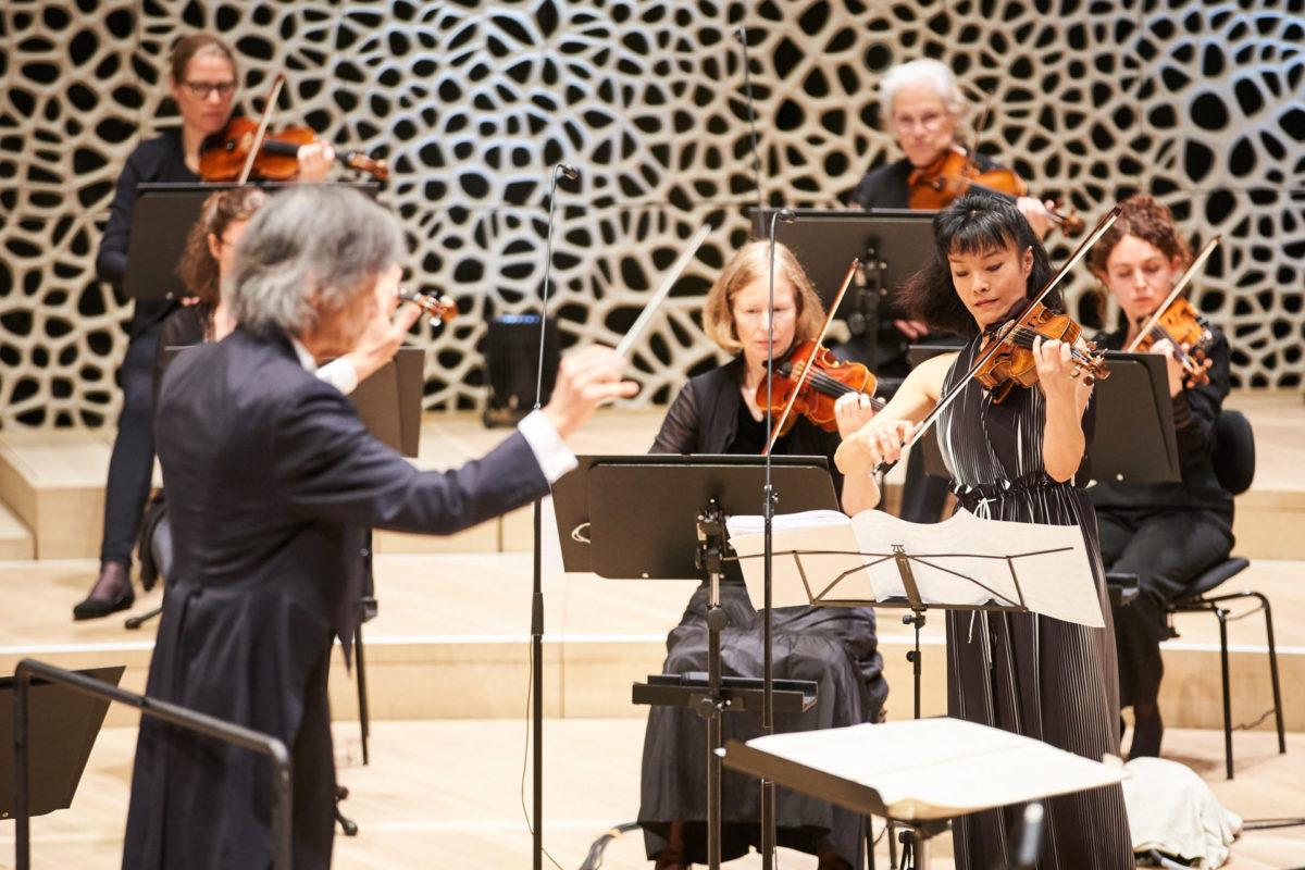 Mira Wang, Jan Vogler, Daniel Ottensamer, Kent Nagano, Philharmonisches Staatsorchester Hamburg,  Elbphilharmonie, 27. Mai 2021