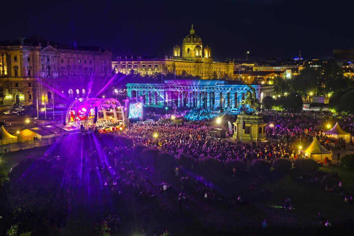Fest der Freude, Wiener Symphoniker, Eva Ollikainen, Conchita,  Heldenplatz Wien, 08. Mai 2019