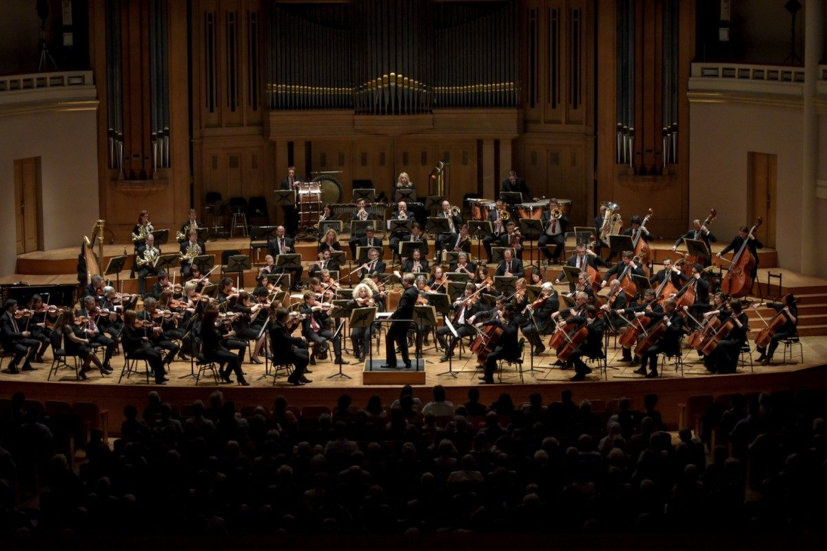 Annelies Van Parys – A War Requiem, Gustav Mahler – Symphonie Nr. 5, Brügge, Concertgebouw, 9. November 2018