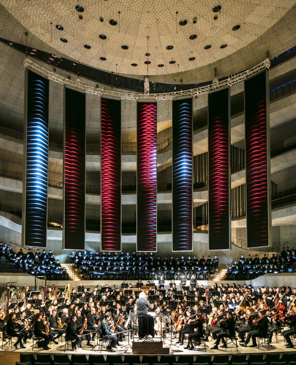 Gustav Mahler, Sinfonie Nr. 8, Eliahu Inbal, Philharmonisches Staatsorchester Hamburg, Chor der Hamburgischen Staatsoper, Hamburger Alsterspatzen, Staatlicher Akademischer Chor Latvija,  Elbphilharmonie