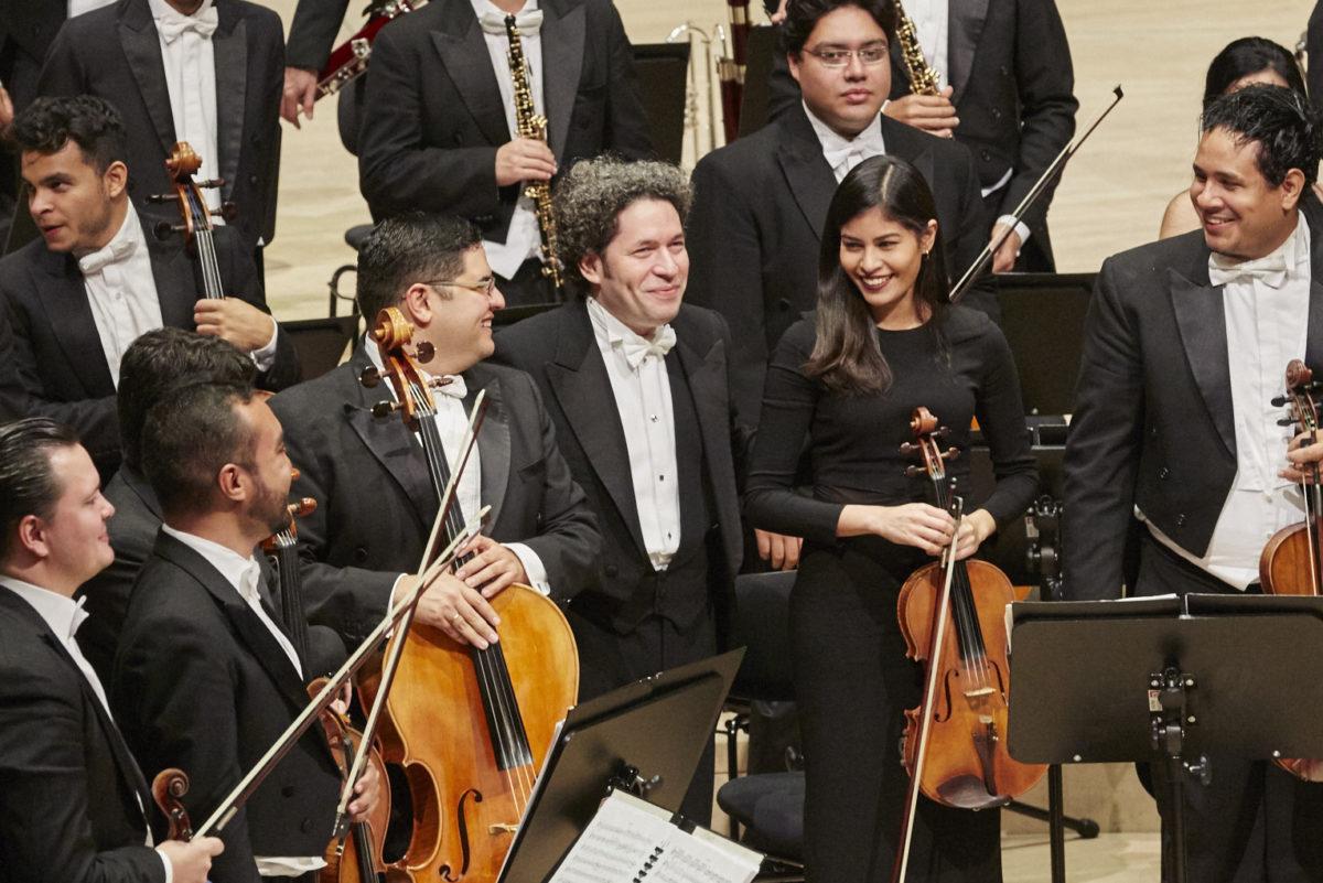 "Orquesta Sinfónica Simón Bolívar de Venezuela, Gustavo Dudamel, Ludwig van Beethoven, Sinfonie Nr. 3 ""Eroica"", Sinfonie Nr. 4,  Elbphilharmonie"