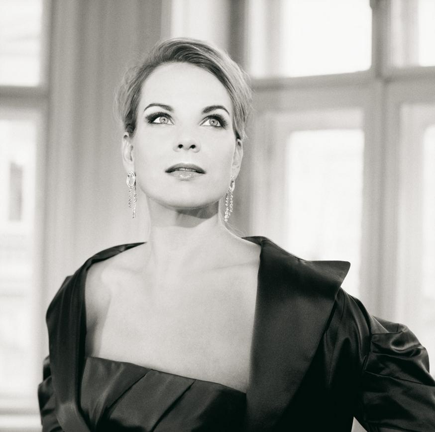 Elina Garanca, Konzert, Karel Mark Chichon, Deutsche Staatsphilharmonie Rheinland-Pfalz,  Philharmonie Berlin