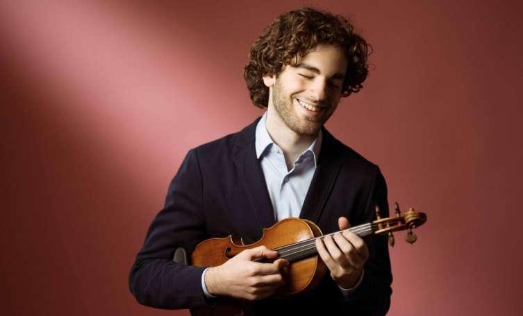 Interview: Dirigent Emmanuel Tjeknavorian  klassik-begeistert.de