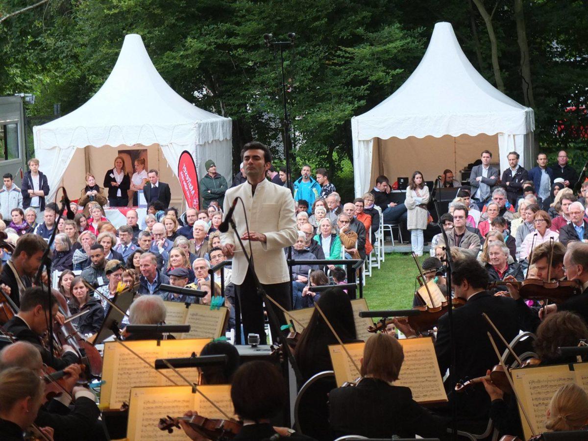 """Ladas Klassikwelt 50: """"Ein Kuss der ganzen Welt"""" oder Beethoven für Flüchtlinge"""