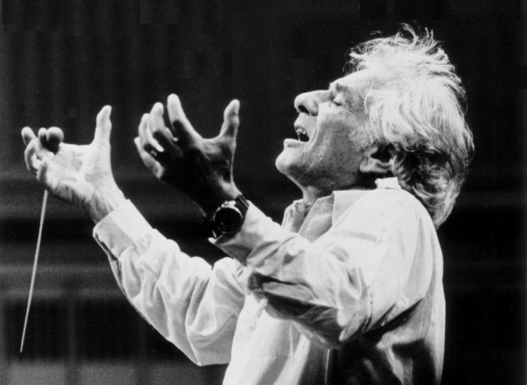 Sommereggers Klassikwelt 57: Leonard Bernstein, der Hochspringer
