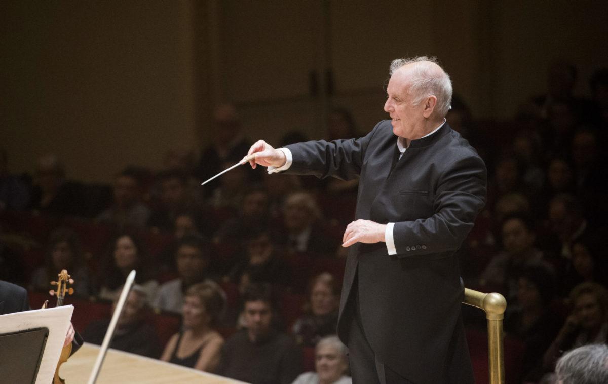 Dich teure Halle grüß' ich wieder? Daniel Barenboim lässt einen nüchternen  Mozart spielen Philharmonie Berlin - Klassik begeistert