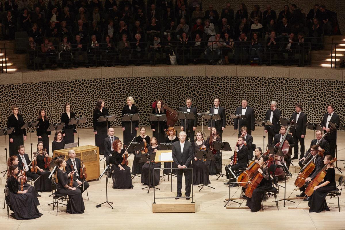 Arvo Pärt, Concert (English version), Latvian Radio Choir, Sinfonietta Rīga, Conductor Sigvards Kļava,  Elbphilharmonie Hamburg