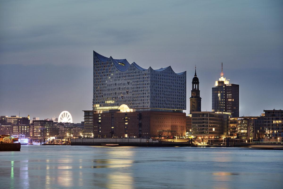 Kent Nagano, Veronika Eberle, Philharmonisches Staatsorchester Hamburg,  Elbphilharmonie, Hamburg